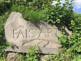 panneaux directionnel en pierre chemin fais'art