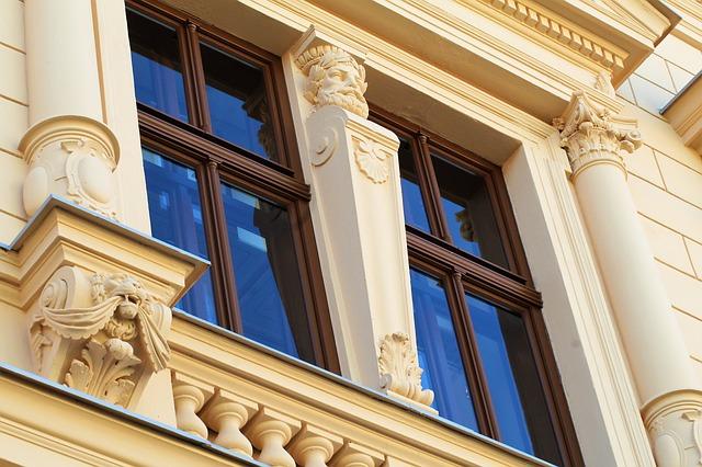 Photo immeuble eanvcien pour illustrer la vente en viager